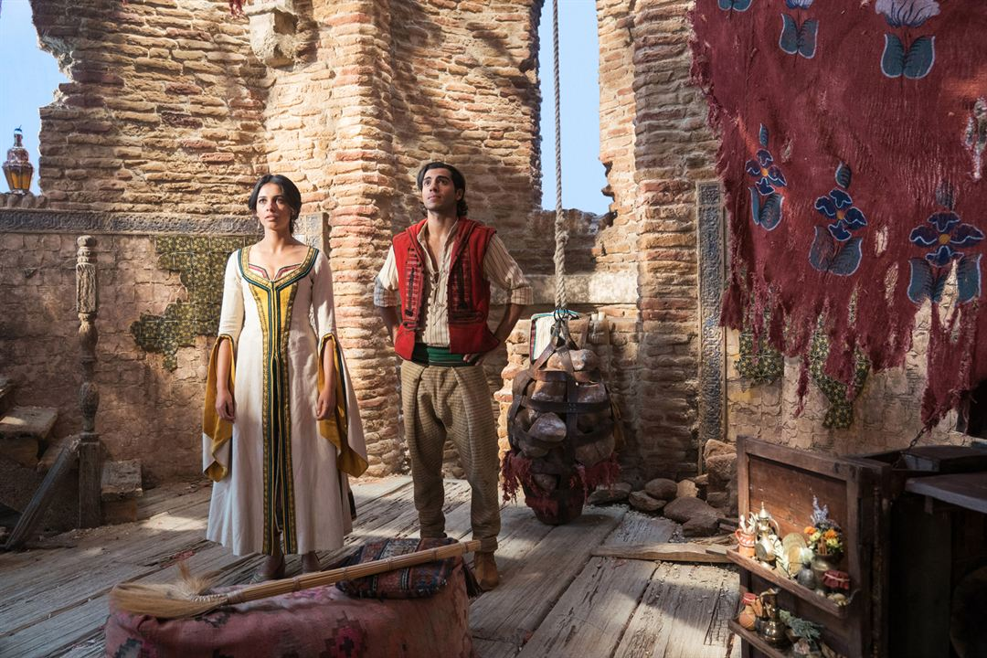 Aladdin : Bild Mena Massoud, Naomi Scott