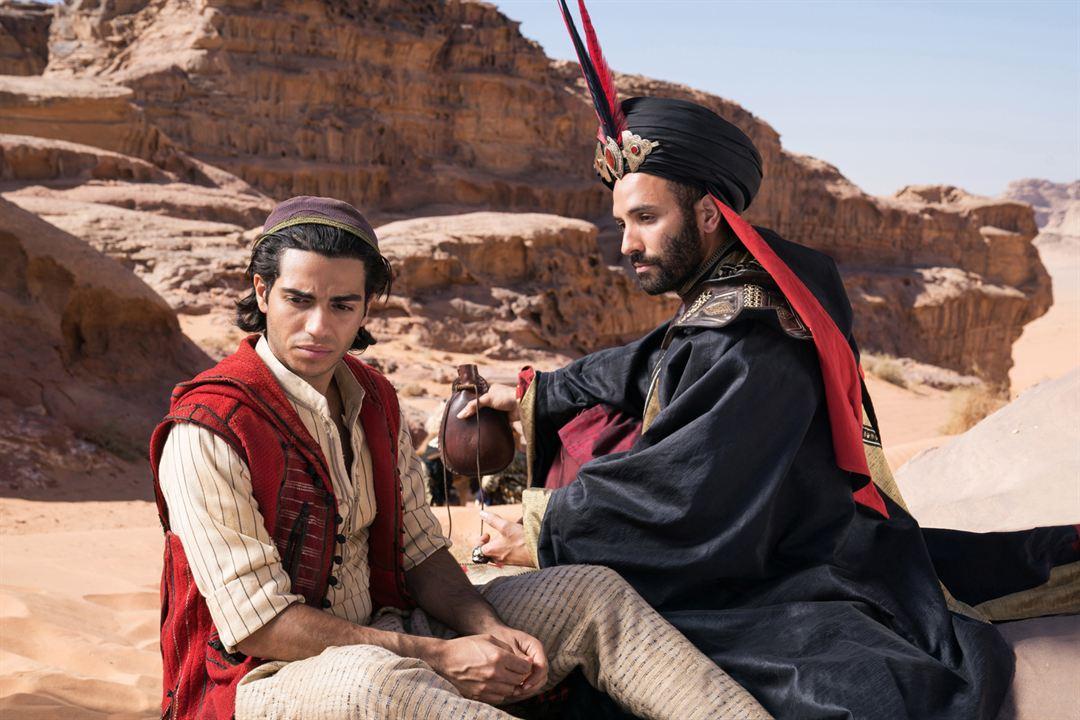 Aladdin : Bild Marwan Kenzari, Mena Massoud