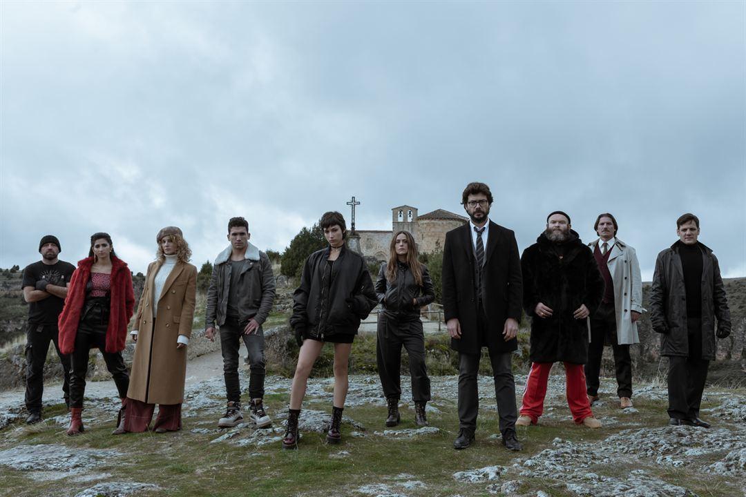 Bild Alba Flores, Álvaro Morte, Darko Peric, Esther Acebo, Hovik Keuchkerian