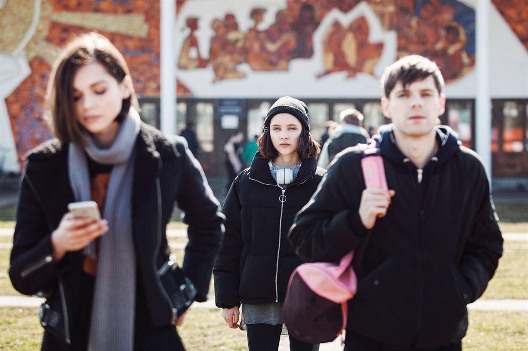 Acid : Bild Anastasiya Evgrafova, Filipp Avdeyev, Sofya Sinitsyna