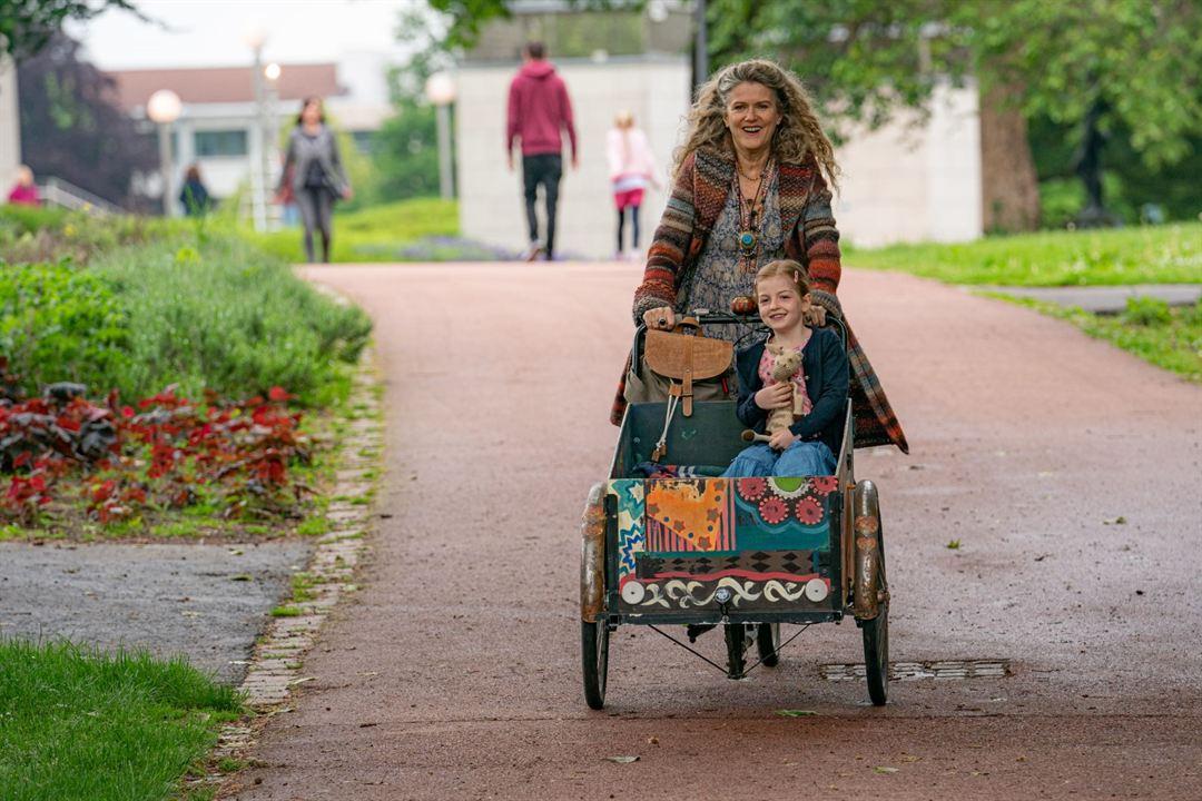 Enkel für Anfänger : Bild Barbara Sukowa, Julia Gleich, Luise Gleich