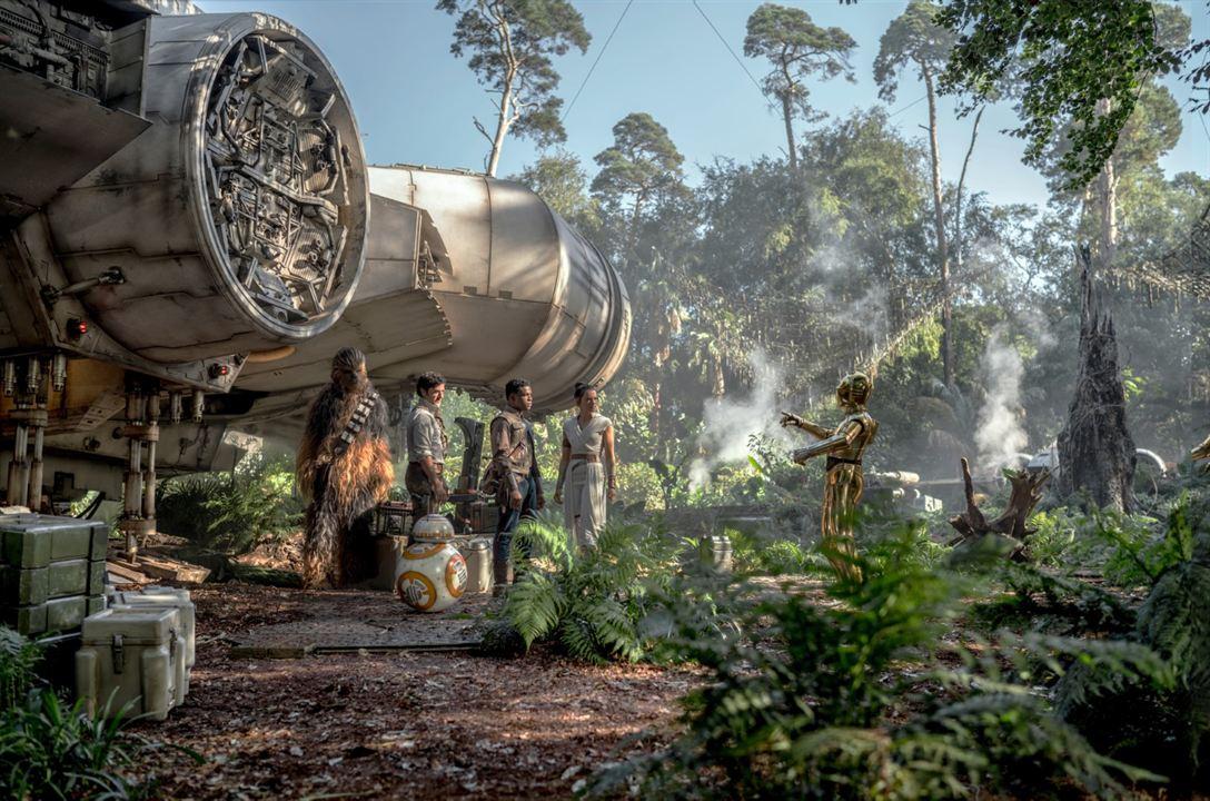 Star Wars 9: Der Aufstieg Skywalkers : Bild Anthony Daniels, Daisy Ridley, John Boyega, Oscar Isaac