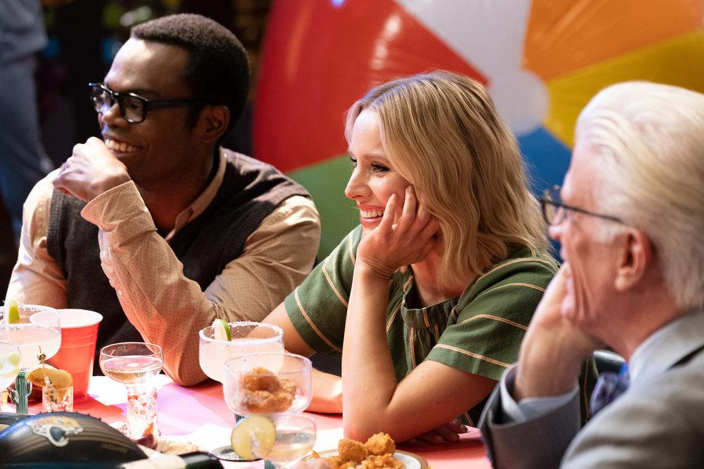 Bild Kristen Bell, Ted Danson, William Jackson Harper