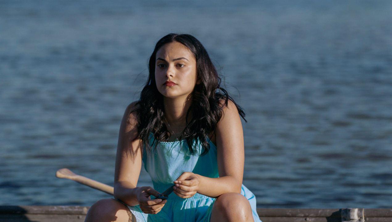 Coyote Lake - Die Wahrheit liegt unter der Oberfläche! : Bild Camila Mendes