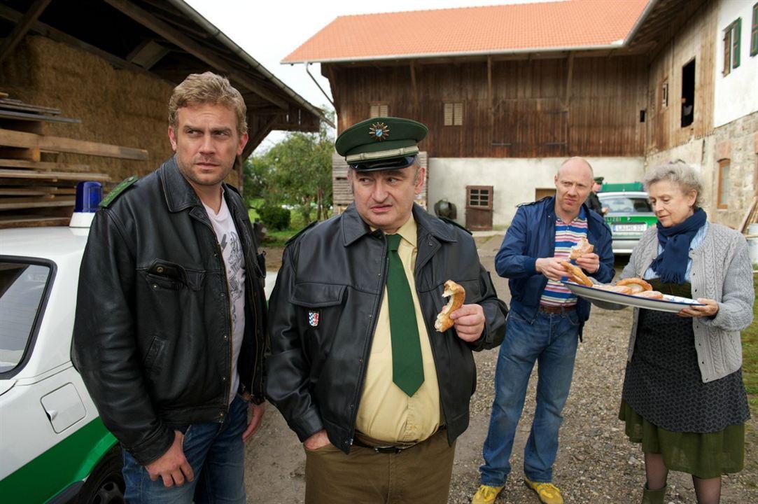 Dampfnudelblues : Bild Ilse Neubauer, Sebastian Bezzel, Sigi Zimmerschied, Simon Schwarz