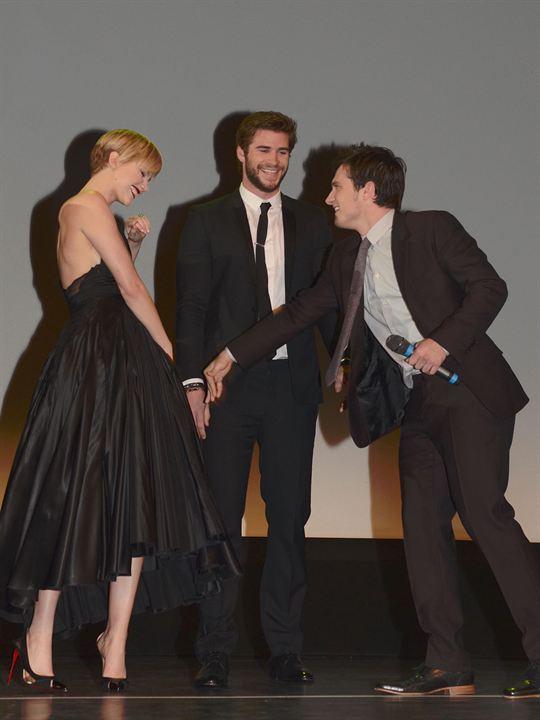 Die Tribute von Panem 2 - Catching Fire : Vignette (magazine) Jennifer Lawrence, Josh Hutcherson, Liam Hemsworth