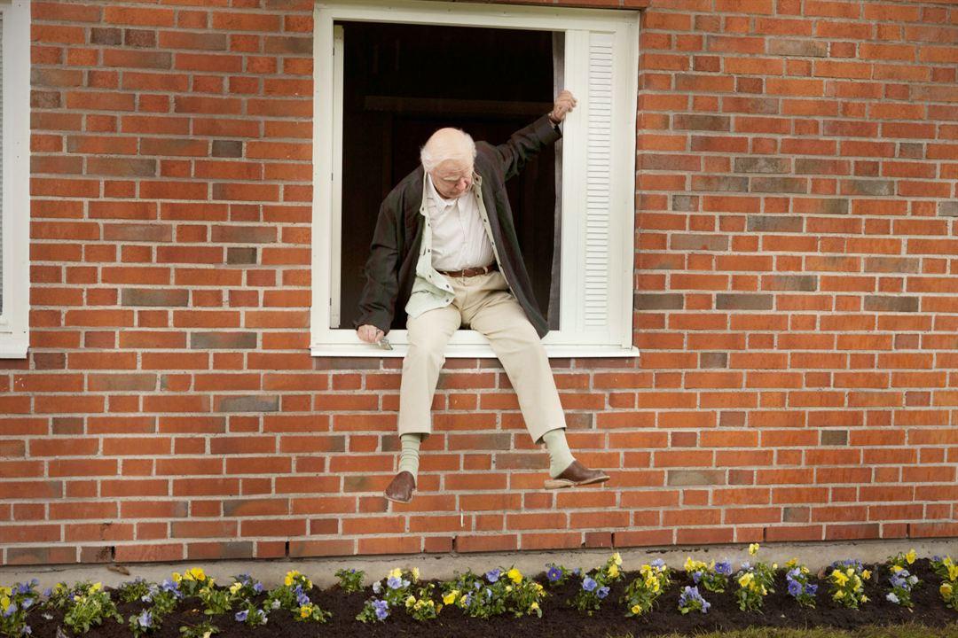 Der Hundertjährige, der aus dem Fenster stieg und verschwand : Bild Robert Gustafsson