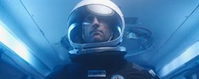 "Mark Strong reist im ersten Trailer zum Sci-Fi-Thriller ""Approaching The Unknown"" zum Mars"