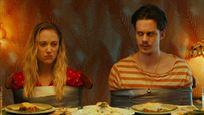 """Im Trailer zur Horror-Comedy """"Villains"""" wird """"Es""""-Clown Bill Skarsgård zum Opfer von Psychopathen"""