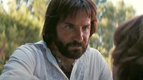 """Das nächste Meisterwerk von Paul Thomas Anderson? Bradley Cooper mit 70er-Gedächtnisfrisur im Trailer zu """"Licorice Pizza"""""""