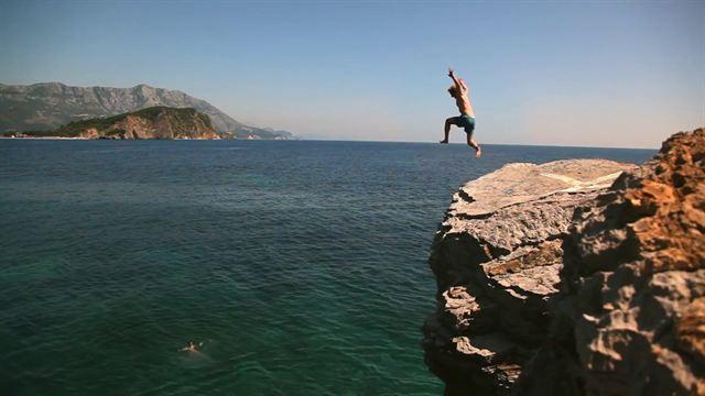 Meet me in Montenegro Trailer OV