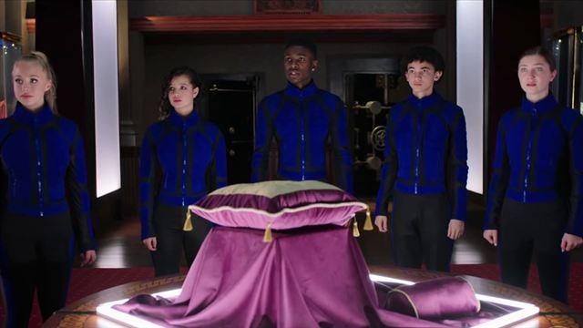 Der geheime Club der zweitgeborenen Royals Trailer OV