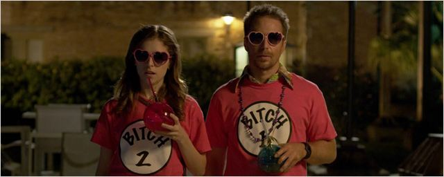 """Pitch Perfect""-Star Anna Kendrick sucht ihren ""Mr. Right"" im Trailer zur Action-Komödie"