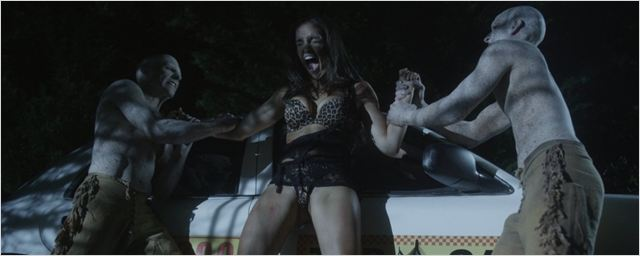 """""""Another Deadly Weekend"""": Im deutschen Trailer zum Sumpf-Horror-Slasher werden nicht nur Kleider zerfetzt"""
