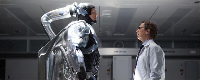 """Zu ernst und zu düster: Paul Verhoeven weiß, woran die Remakes von """"RoboCop"""" und """"Total Recall"""" scheiterten"""