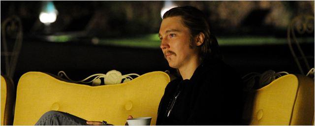 Der FILMSTARTS-Casting-Überblick: Heute mit Paul Dano als Kopilot eines entführten Flugzeugs und Crime-Action mit Gerard Butler