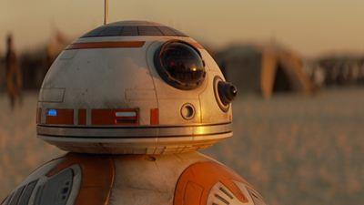 """Oscars 2016: Video vom Auftritt der """"Star Wars""""-Droiden, die vor allem """"Raum""""-Star Jacob Tremblay aber auch Jared Leto begeistern"""