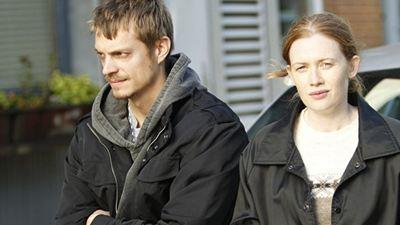 """""""The Killing""""-Ermittlerduo Joel Kinnaman und Mireille Enos in der Serienadaption des Kinofilms """"Wer ist Hanna?"""""""