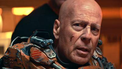 "Bruce Willis verkloppt Aliens: Trailer zum Sci-Fi-Actioner ""Cosmic Sin"""