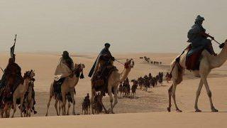"""""""Black Gold"""": Drei neue Filmclips zum Wüsten-Epos mit Antonio Banderas"""