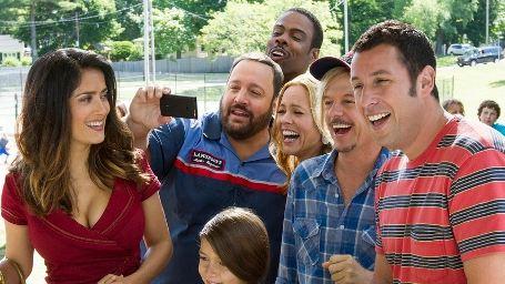 """Adam Sandler und Kevin James gegen Taylor Lautner: Erster Trailer zum Comedy-Sequel """"Kindsköpfe 2"""""""