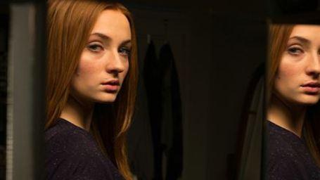 """Im deutschen Trailer zu """"Another Me"""" fühlt sich """"Game of Thrones""""-Star Sophie Turner von einer Doppelgängerin verfolgt"""