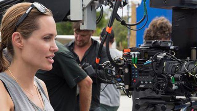 """Gerücht: Angelina Jolie könnte """"Captain Marvel"""" inszenieren"""