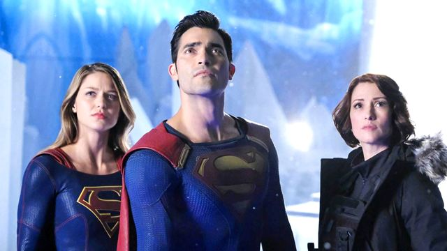 "Superman trifft Superman: Neue Bilder zum Crossover von ""Arrow"", ""The Flash"" & ""Supergirl"""