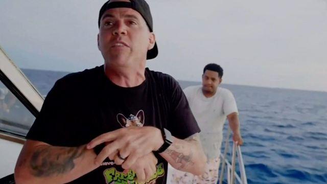 """AUTSCH: """"Jackass 4""""-Star wird bei Stunt von einem Hai gebissen – und sein Kollege postet heftiges Bild der Wunde"""
