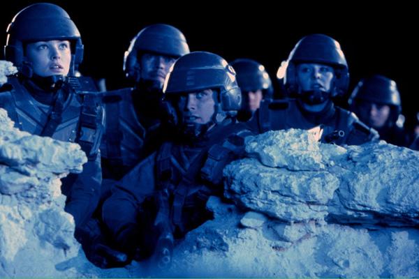 Starship Troopers : Bild Casper Van Dien, Dina Meyer