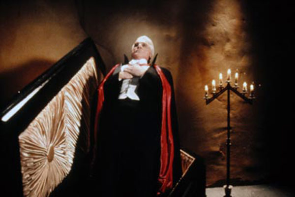 Dracula - Tod aber glücklich : Bild Leslie Nielsen, Mel Brooks