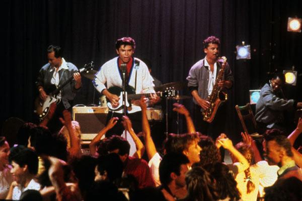 La Bamba: Lou Diamond Phillips, Luis Valdez