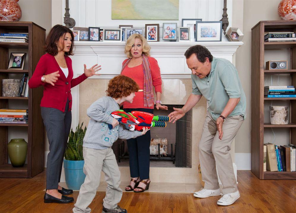 Die Bestimmer - Kinder haften für ihre Eltern : Bild Bette Midler, Billy Crystal, Kyle Harrison Breitkopf, Marisa Tomei