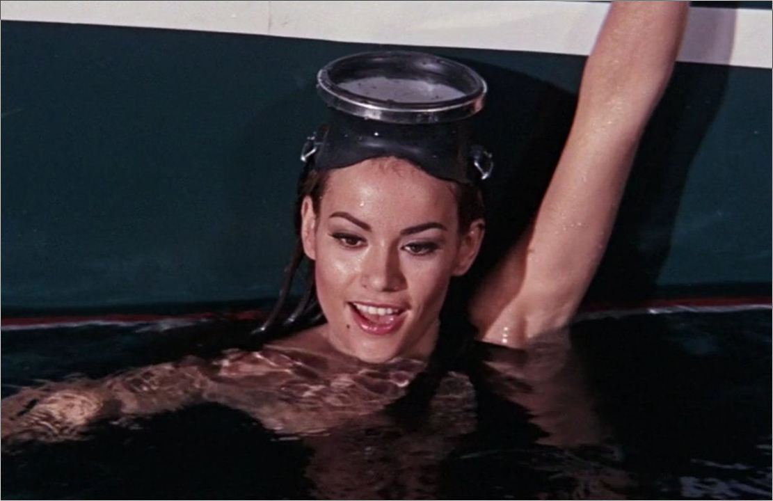 "Domino Derval (Claudine Auger) in ""James Bond 007 - Feuerball"""