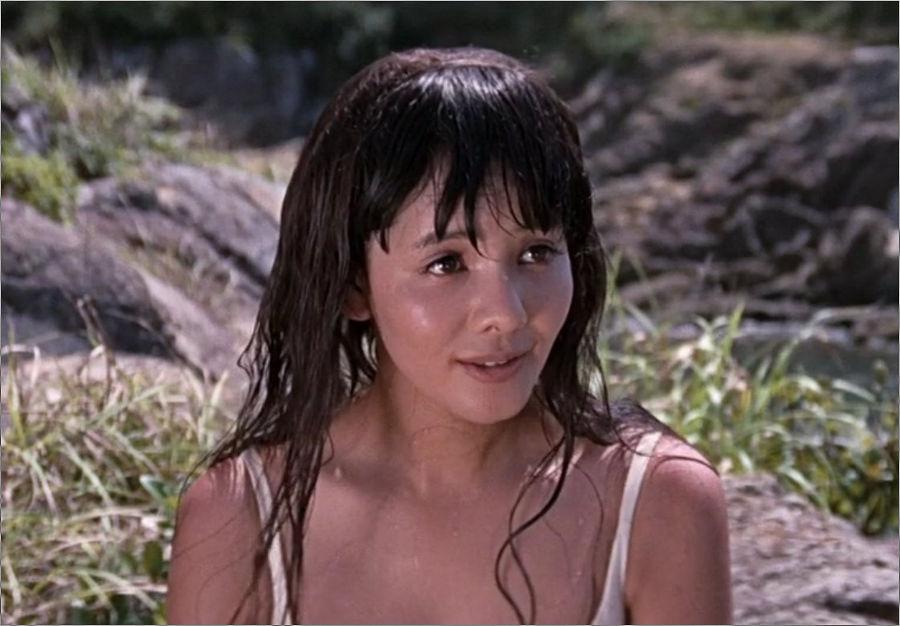 """Kissy Suzuki (Mie Hama) in """"James Bond 007 - Man lebt nur zweimal"""""""