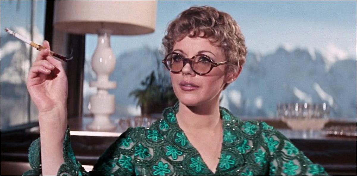 """Ruby Bartlett (Angela Scoular) in """"James Bond 007 - Im Geheimdienst Ihrer Majestät"""""""