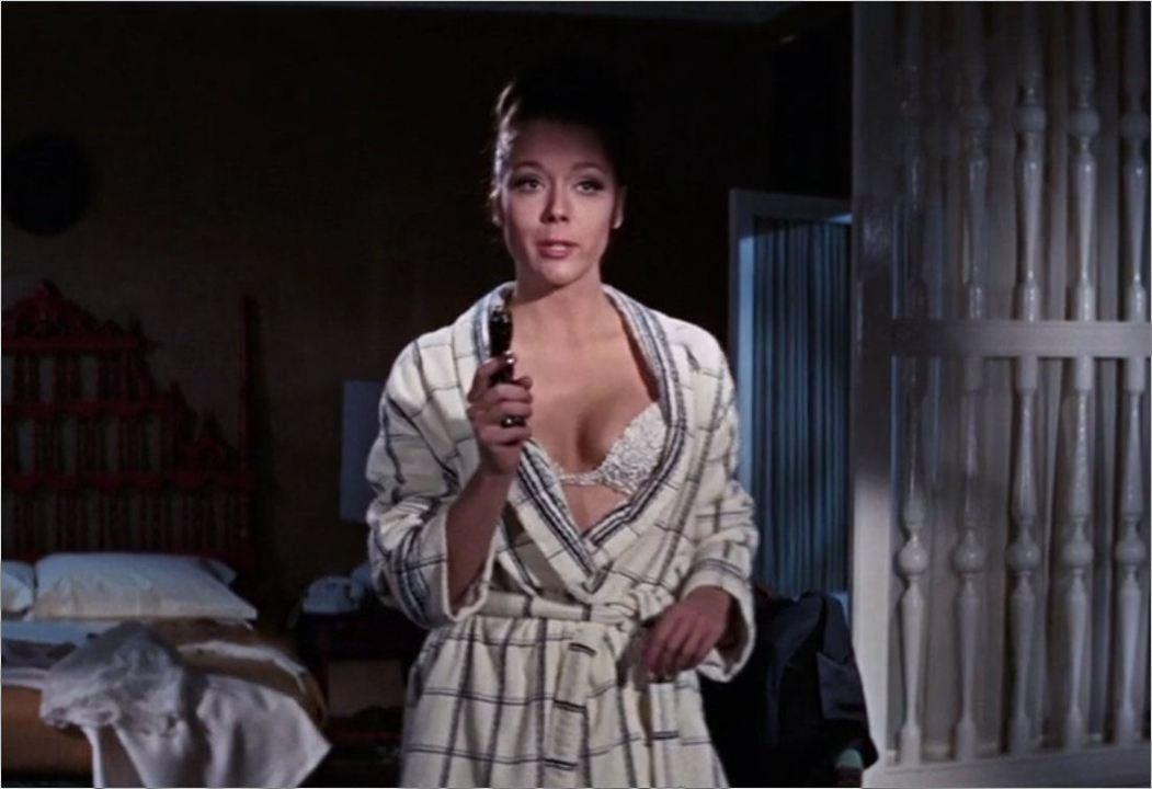 """Teresa di Vicenzo (Diana Rigg) in """"James Bond 007 - Im Geheimdienst Ihrer Majestät"""""""