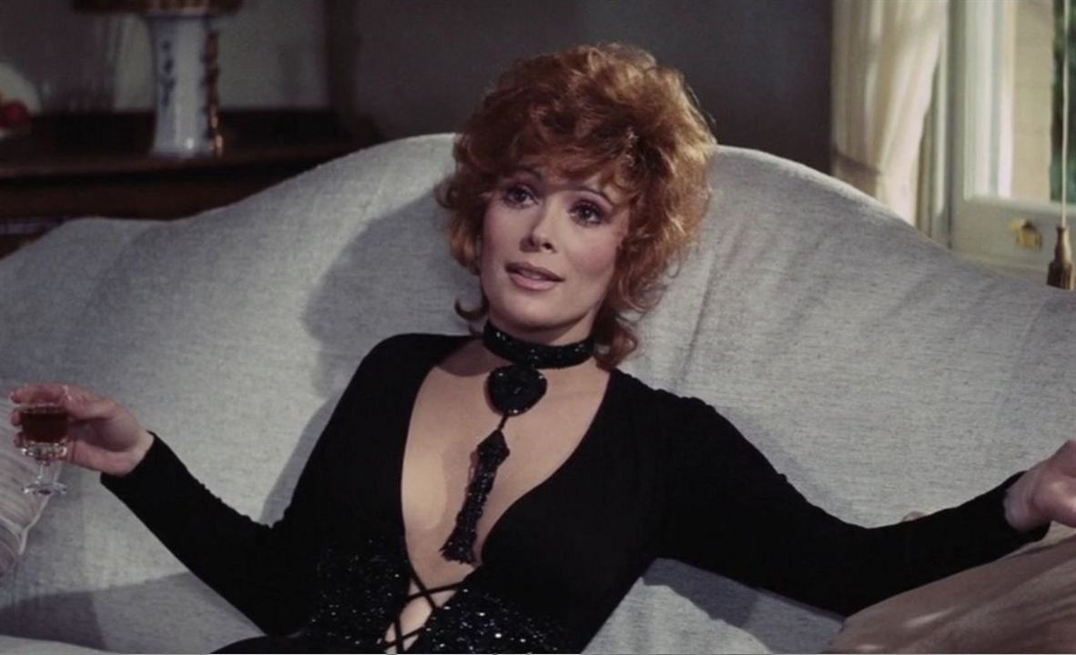 "Tiffany Case (Jill St. John) in ""James Bond 007 - Diamantenfieber"""