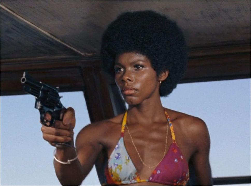 """Rosie Carver (Gloria Hendry) in """"James Bond 007 - Leben und sterben lassen"""""""