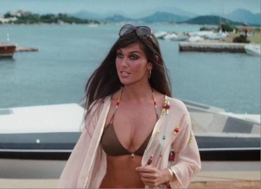 """Naomi (Caroline Munro) in """"James Bond 007 - Der Spion, der mich liebte"""""""