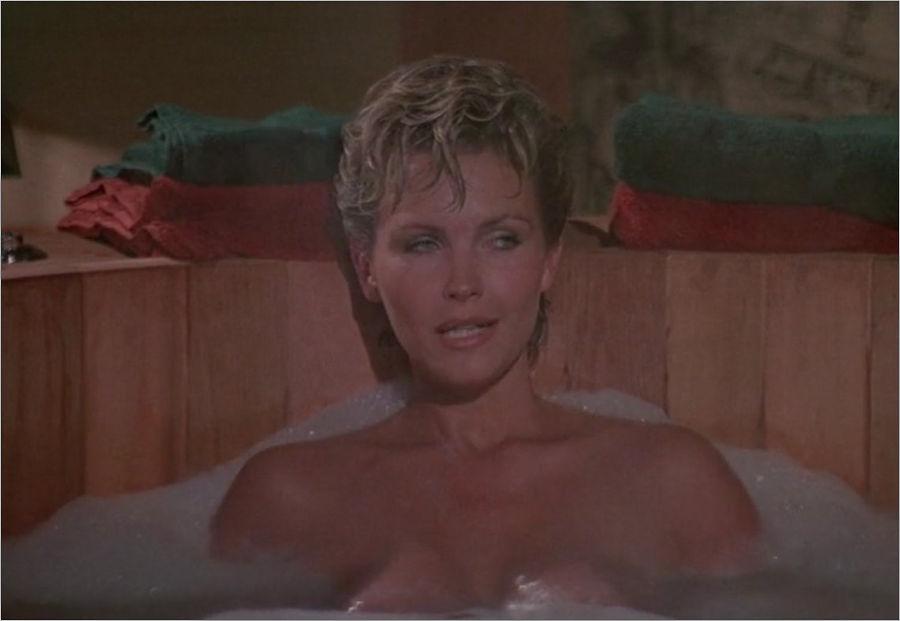 "Pola Ivanova (Fiona Fullerton) in ""James Bond 007 - Im Angesicht des Todes"""