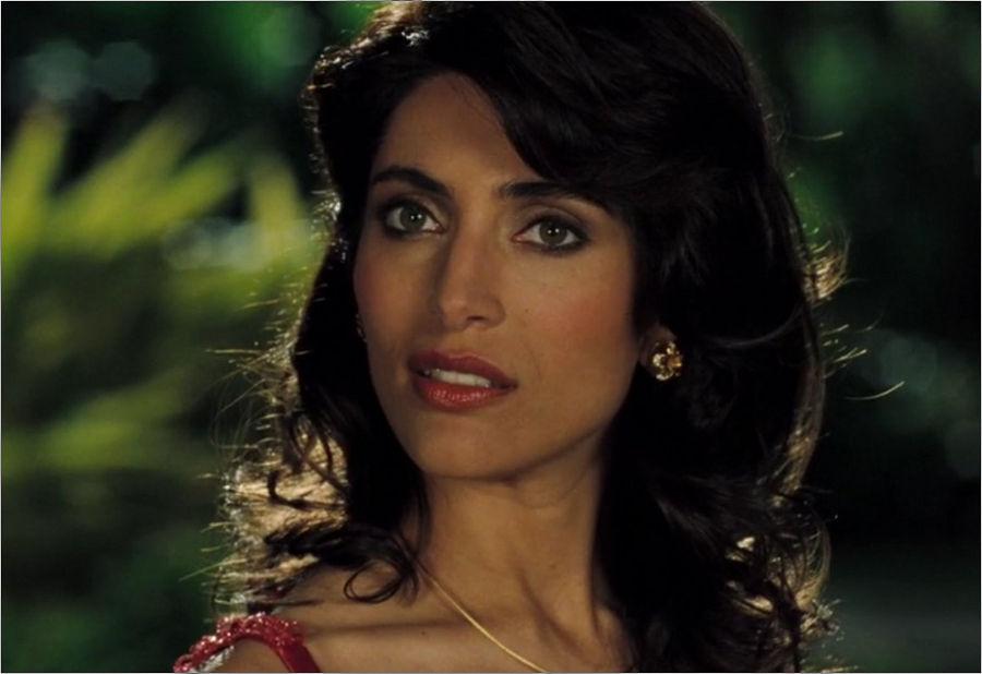 "Solange Dimitrios (Catherina Murino) in ""James Bond 007 - Casino Royale"""