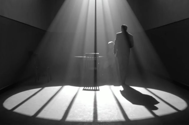 """""""The Man Who Wasn't There"""" (2001)"""