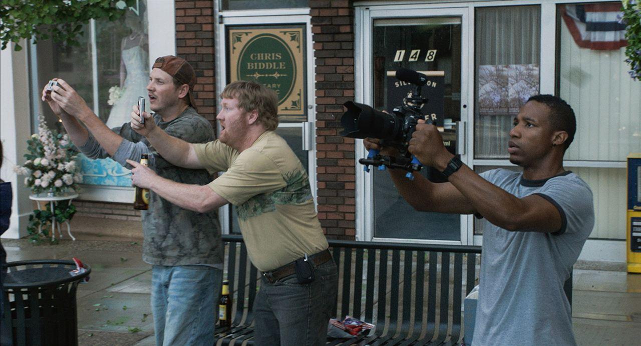 Storm Hunters: Arlen Escarpeta, Kyle Davis, Jon Reep