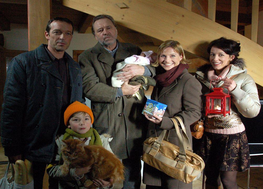 Das Weihnachts-Ekel (TV) : Bild Gerd Silberbauer, Julia Cencig, Kristina Sprenger, Michael Roll
