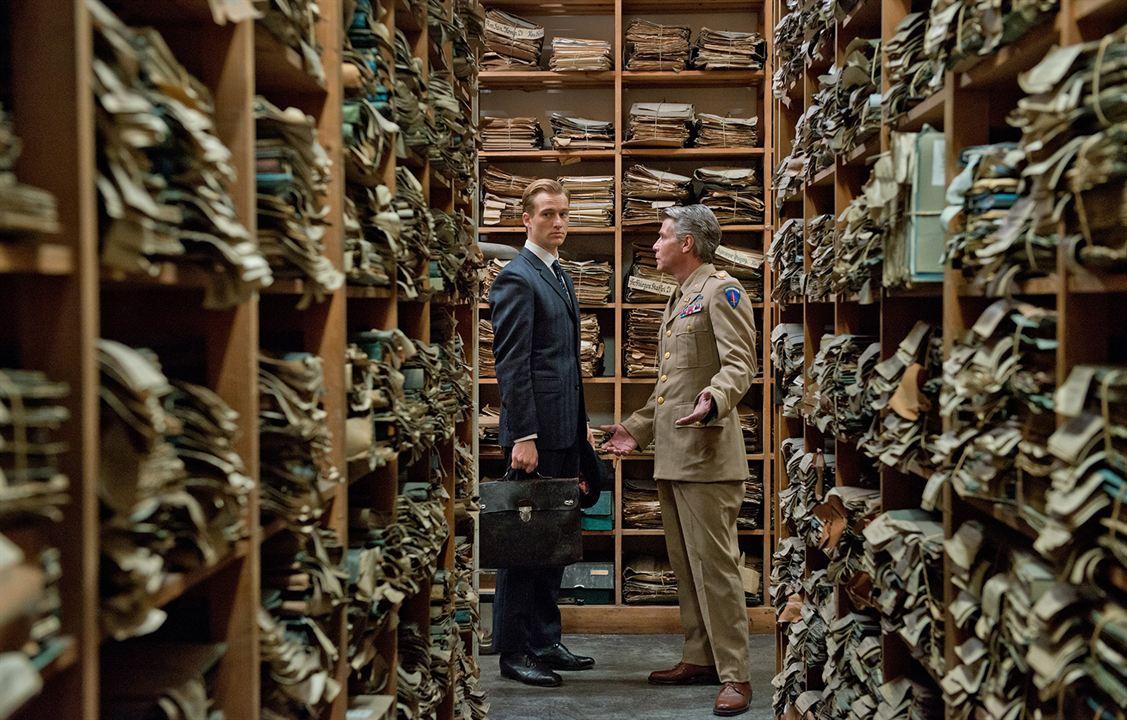 Im Labyrinth des Schweigens: Alexander Fehling, Gert Voss