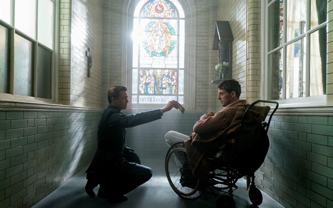Bild zu Matthew Goode - Allied - Vertraute Fremde : Bild Brad Pitt, Matthew  Goode - FILMSTARTS.de
