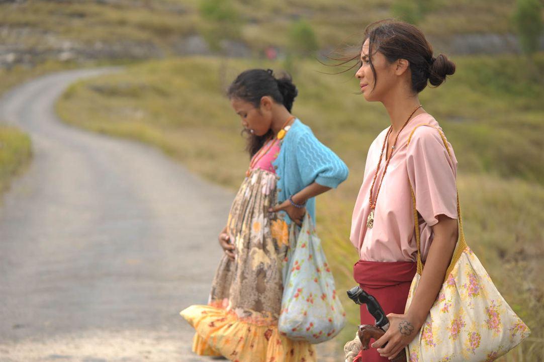 Marlina - Die Mörderin in vier Akten : Bild Dea Panendra, Marsha Timothy
