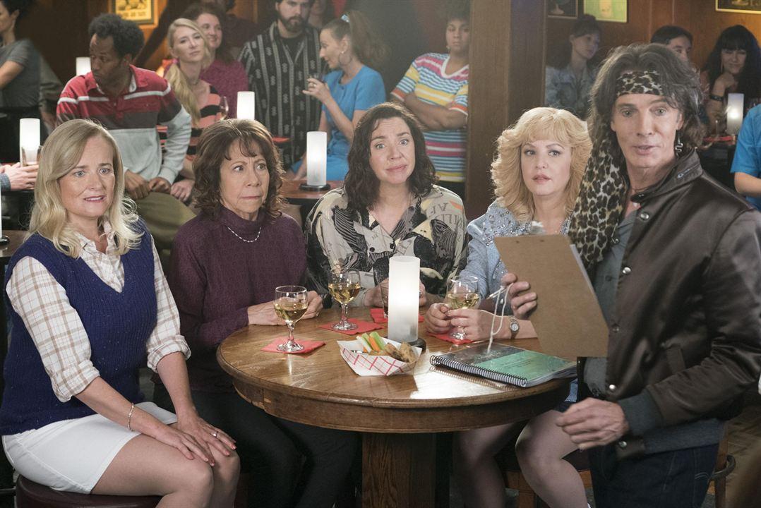 Bild Jennifer Irwin, Mindy Sterling, Rick Springfield, Stephanie Courtney, Wendi McLendon-Covey