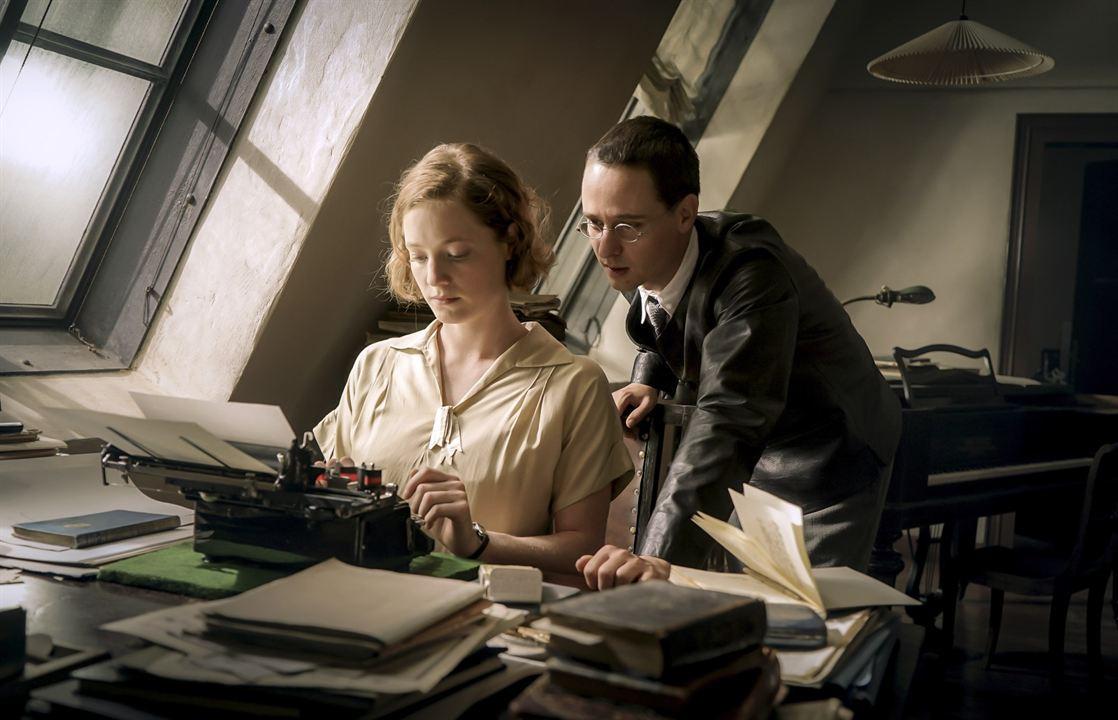 Brecht: Leonie Benesch, Tom Schilling